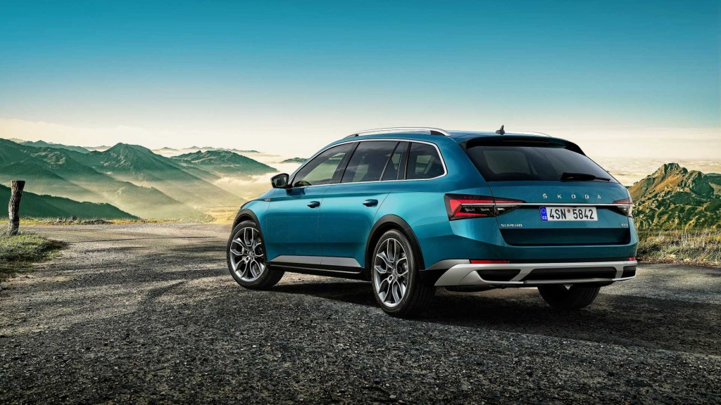 2020-skoda-superb-scout-3