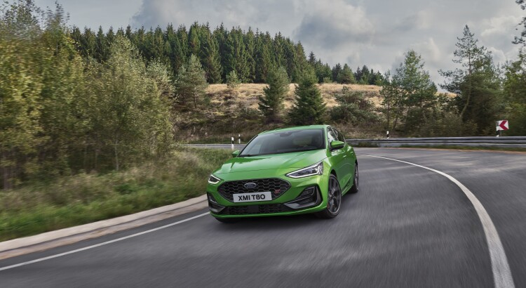 2021_FORD_FOCUS_ST_OUTDOOR_01-min