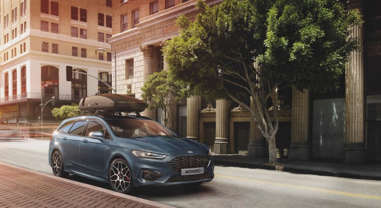 Ford Mondeo Hybrid features a full hybrid petrol-electric powert