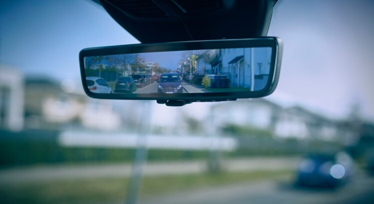 2021_Ford_Smart_Mirror_-01